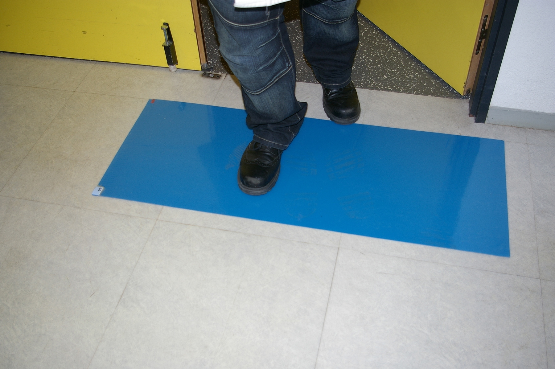 3m Ultra Peelable Carpet Cleanliness Carton 6 115x45 Blue Carpet